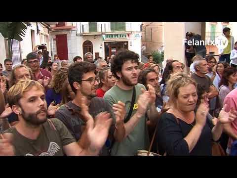 CONCENTRACIÓ DAVANT AJUNTAMENT REFERÈNDUM CATALUNYA 1-O